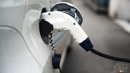 Canada Invests $120M More in Green-Car Infrastructure