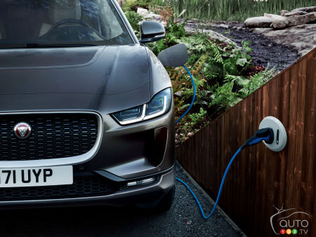 Jaguar all in on electric by 2030… maybe