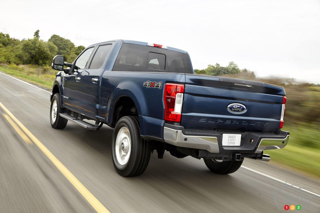 Tailgates that open while on the road: NHTSA to look into Ford Super Duty Trucks