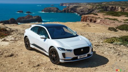 Jaguar-Land Rover to offer Apple CarPlay, Android Auto Compatibility