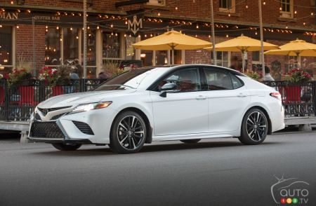 2019 Toyota Camry Details And Pricing For Canada Car News Auto123