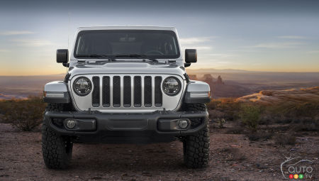Jeep Scrambler Pickup To Debut In Los Angeles Car News Auto123