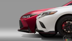 Los Angeles 2018 : Toyota y sera avec des versions TRD des Camry, Avalon