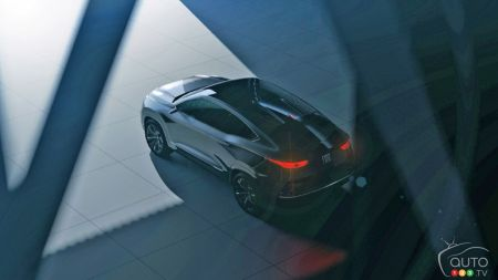 Fiat Reveals Fastback Suv Concept Inspired By Bmw X4 X6 Car News