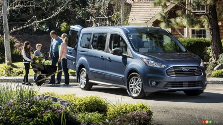 Chicago 2018: Ford Transit Connect Gets Updates, New Engines