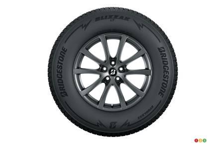 bridgestone blizzak lt nouveau pneu d hiver pour camions actualit s automobile auto123. Black Bedroom Furniture Sets. Home Design Ideas