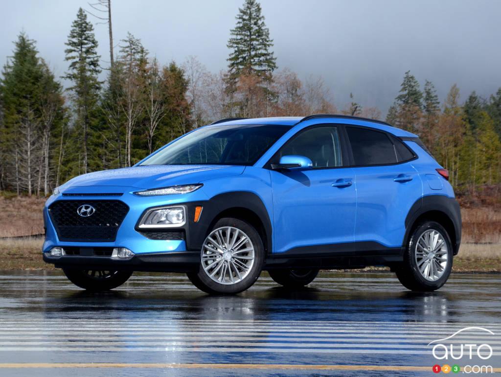 review of the new 2018 hyundai kona crossover car reviews auto123