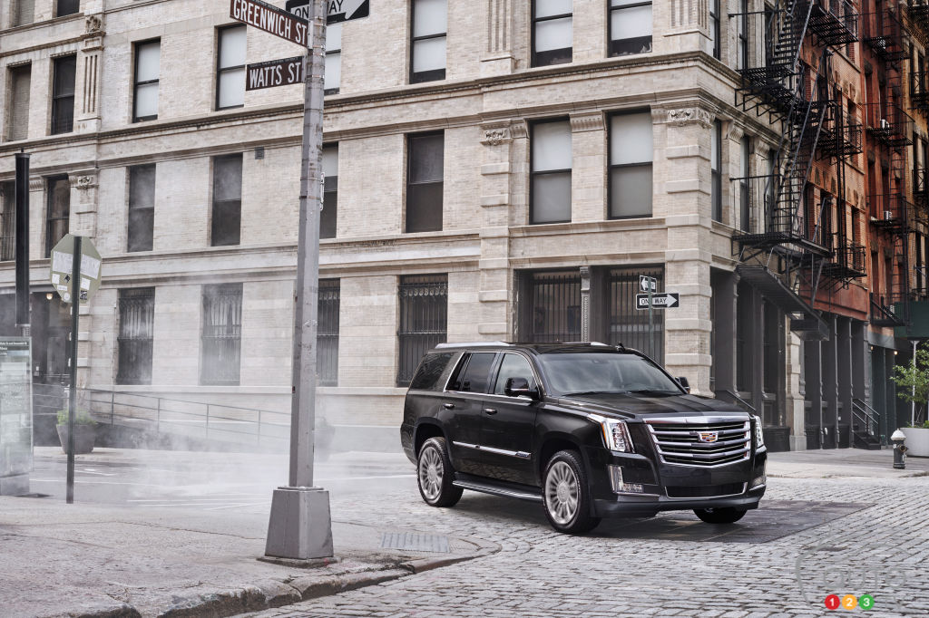 Cadillac offering $10,000 to Escalade Drivers to stay loyal
