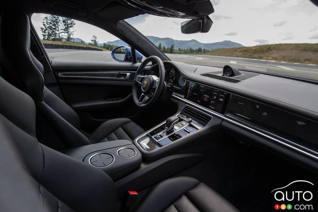 articles sur infiniti actualit s automobile auto123. Black Bedroom Furniture Sets. Home Design Ideas