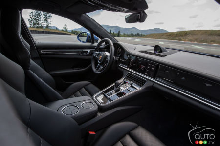 The 10 Best Car Interiors According To Wardsauto Car News Auto123