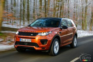 Research 2022                   Land Rover Discovery pictures, prices and reviews