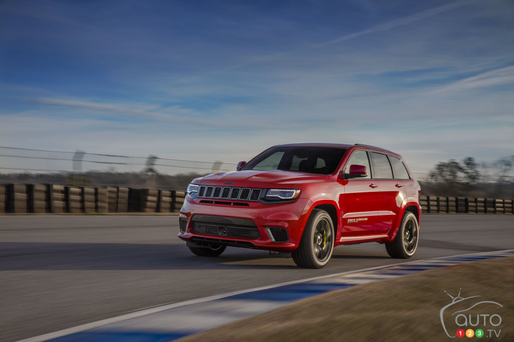 2019 jeep grand cherokee gets tech safety updates car news auto123 rh auto123 com