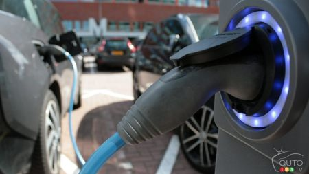 Electric mobility: Canada trails in infrastructure, sales of EVs