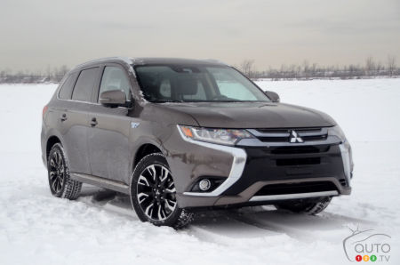 2018 Mitsubishi Outlander PHEV Review: The Cold, Hard Reality of Winter