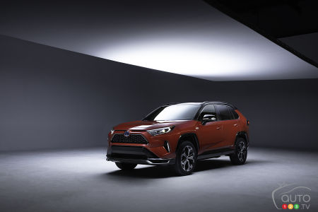 Toyota confirme le dévoilement du RAV4 hybride branchable au Salon de Los Angeles