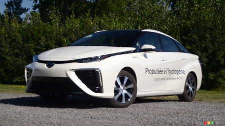 2019 Toyota Mirai Review: One of Several Possible Futures