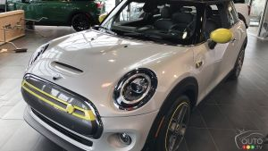 The First All-Electric Mini Makes Debut Appearance in Quebec