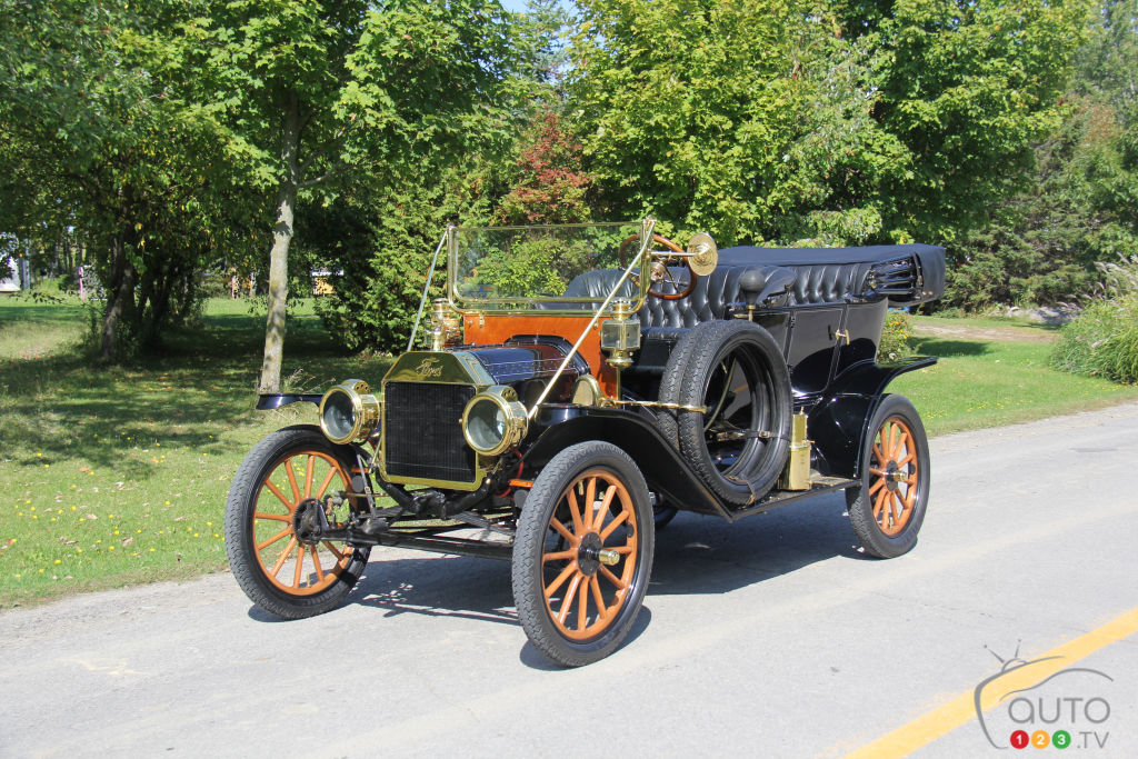 Auto 101 : conduire une Ford Model T !