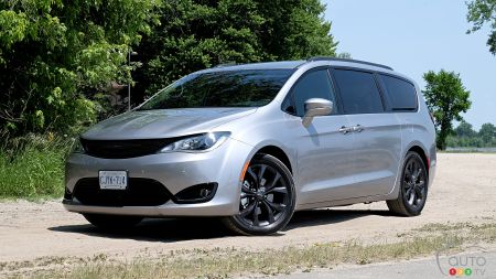 Chrysler Pacifica Could Get AWD for 2021