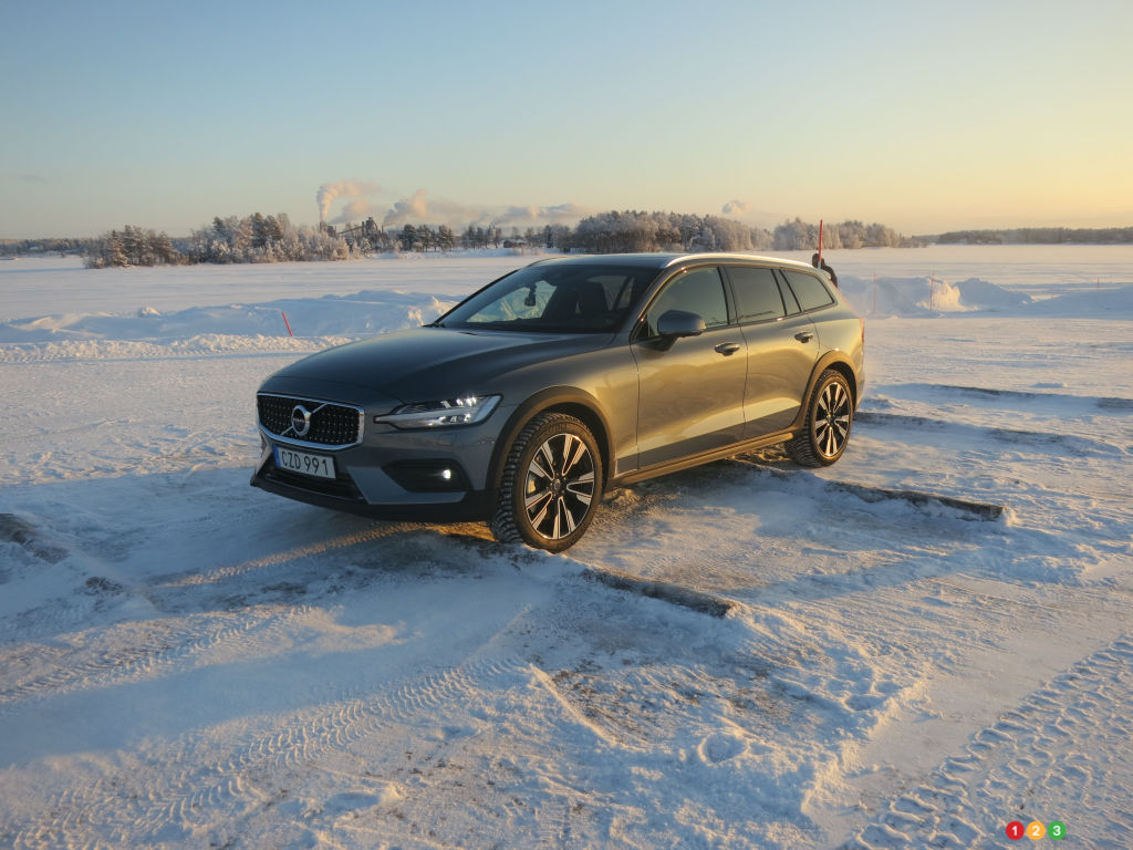 First Drive of the 2019 Volvo V60 CC and T8 hybrid