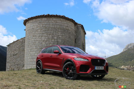 2020 Jaguar F Pace Svr First Drive Car News Auto123