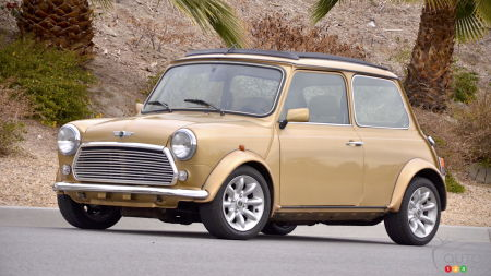 1999 MINI Cooper Knightsbridge Edition Review: Making like Mr. Bean