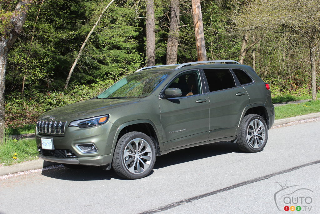 2019 Jeep Cherokee Overland Review Car Reviews Auto123