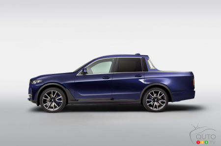 BMW Shows Off a Pickup Version of New X7 SUV