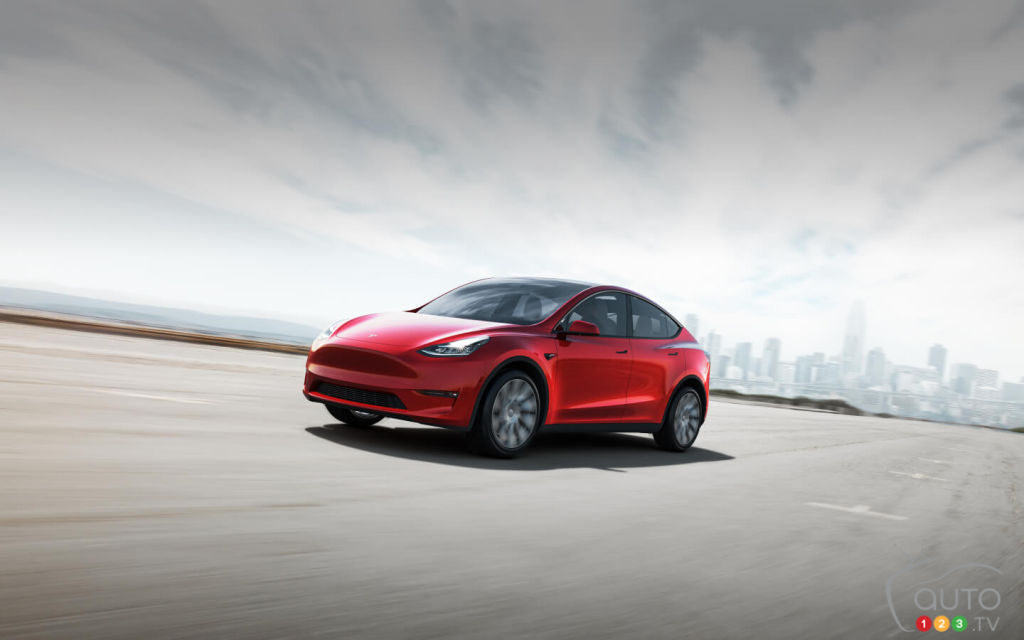Tesla Simplifies Product Range, Lowers Pricing on Model 3