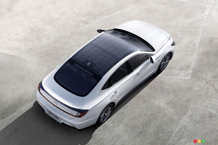 Next Hyundai Sonata Hybrid Will Use Solar Roof to Provide Additional Range