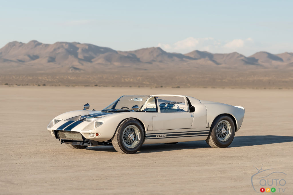 A Ford GT40 Roadster Prototype Will be Auctioned at Pebble Beach