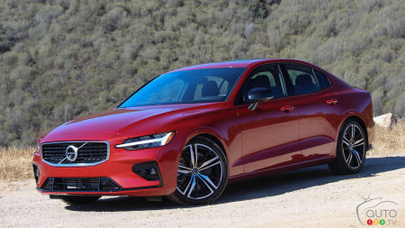 2019 Volvo S60 and V60 Review: Standing Out In a Crowd