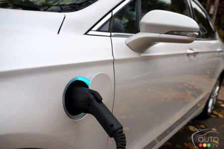 42% of Americans Think an Electric Car Needs Gas to Run