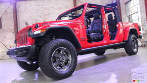 Sales of Jeep Gladiator Halted Over Driveshaft Problem