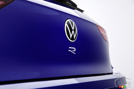Volkswagen Teases First Image of the Next Golf R