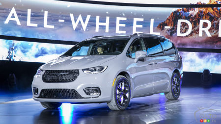 Chicago 2020: AWD Confirmed for the 2021 Chrysler Pacifica