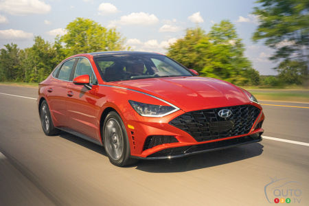 Chicago 2020: Hyundai debuts the 2020 Sonata Hybrid... but confirms there won't be a plug-in version