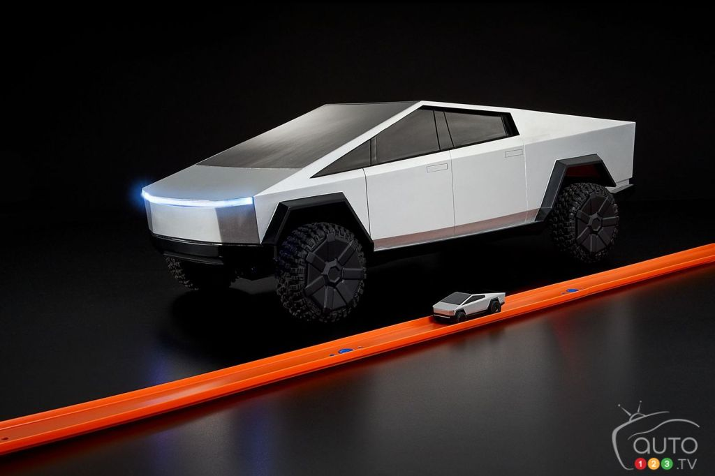 Remote-Controlled Hot Wheels Versions of Tesla Cybertruck Coming for Christmas!