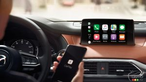 Apple CarPlay and Android Auto: More Dangerous than Drinking and Driving