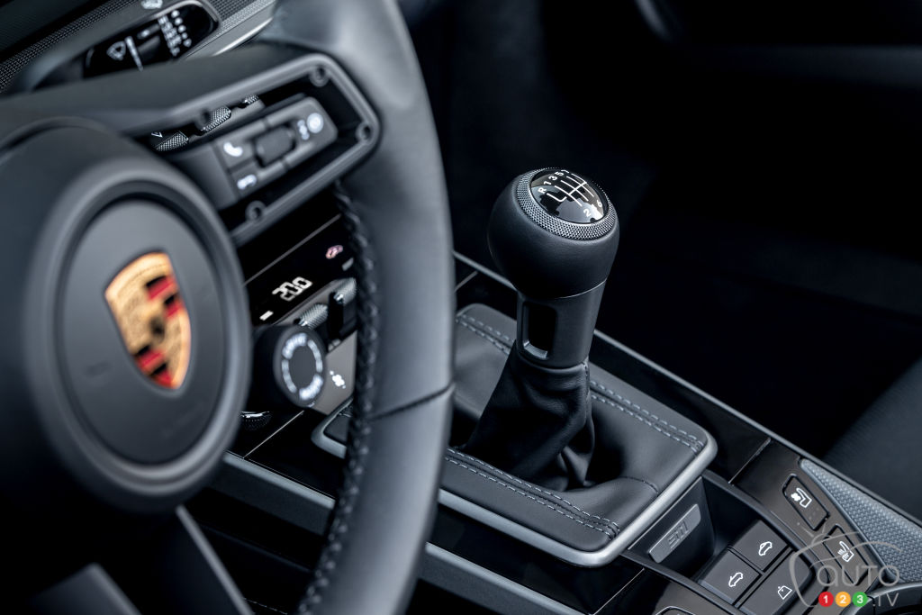 Porsche's 911 Gets its Manual Gearbox Back