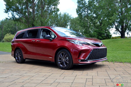 Speed Dating: We Spend an Hour With the 2021 Toyota Sienna