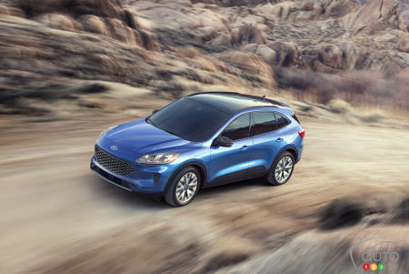 Six Things Worth Knowing About The 2020 Ford Escape Hybrid Car News Auto123