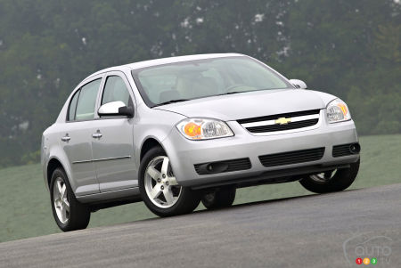 NHTSA Investigating Fuel Leak Issue in 614,000 Chevrolet Cobalts, HHRs