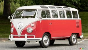 Rare 23-Window 1962 VW Microbus Sells for $122,000