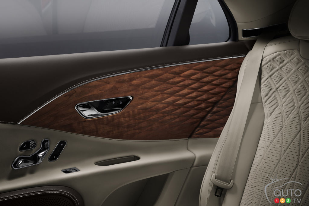 3D Wood Trim for the 2021 Bentley Flying Spur