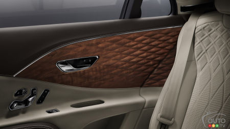 Des boiseries en 3D pour le Bentley Flying Spur