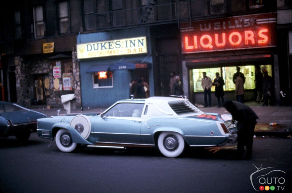 40 Images of New York and its Cars in the 1960s and 70s