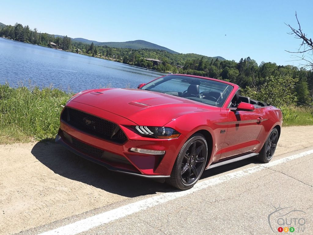 2020 Ford Mustang Gt Convertible 10 Fun Annoying Details Car News Auto123
