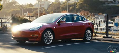 Tesla Unveils Faster Charger That Can Gain Back 150 km of Range in 5 Minutes