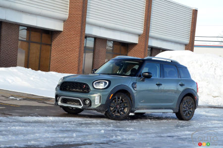 2021 Mini Cooper S Countryman ALL4 Review: Smile and World Smiles With You